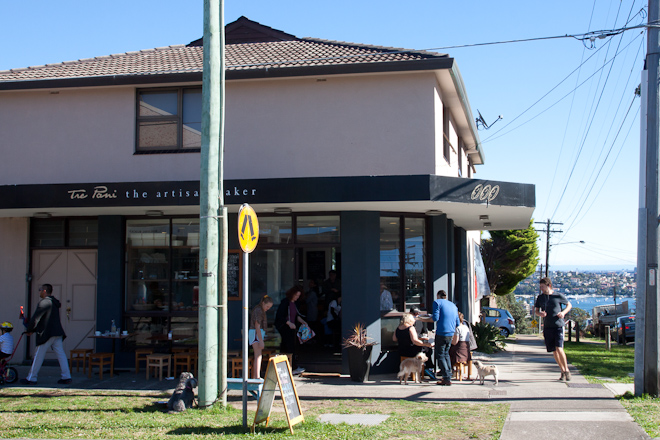 Another beautiful, sunny day in Hurstvil.... I can't say it with a straight face... A lovely bakery in lovely Dover Heights on a lovely winter's day.