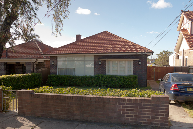 For 16 months I started every walk to Hurstville Railway Station from this free-standing brick house that sold for $840,000 a few weeks before we signed our rental contract.